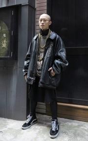AVIREX 忍者皮外套的時尚穿搭
