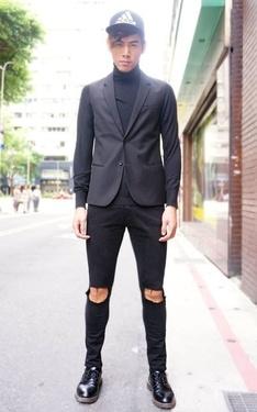 時尚穿搭:利用高領毛衣混搭單品,演繹極簡風格