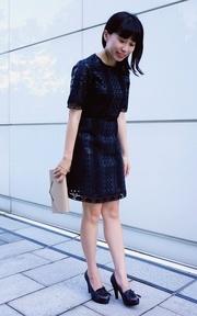 ZARA 皮質蕾絲洋裝的時尚穿搭
