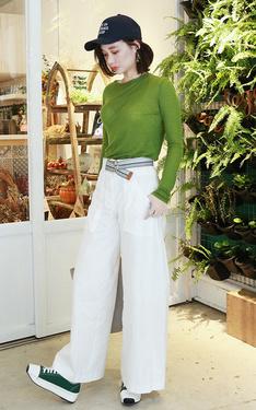 時尚穿搭:今年就是要草木綠