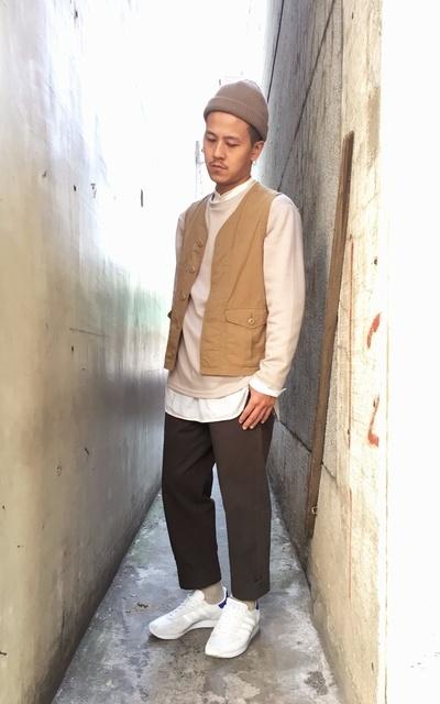 適合日常仕紳、工裝背心、春日米色薄T、TAPERED、GREEN LABEL RELAXING、CANVAS、PLAIN-ME COP3512的穿搭