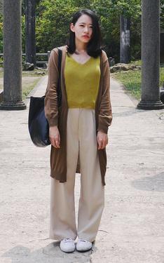 時尚穿搭:去黃金神社穿金黃色背心