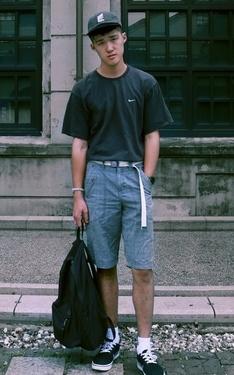時尚穿搭:夏日低彩暗黑風