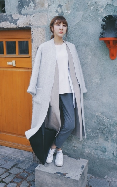 適合SOFT COLOUR、MINIMAL、SIMPLE、CASUAL、CIGARETTE、WOOL BLEND COAT、CIGARETTE TROUSERS、SHOES、SWEATER、COAT、GLASSWORK、TOPSHOP、ADIDAS、COS的穿搭