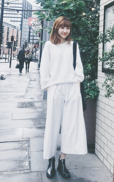 適合ELEGANT、SIMPLE、MINIMAL、ALL WHITE、TROUSERS、FINERY LONDON的穿搭