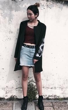 時尚穿搭:牛仔短裙也能帥起來