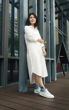 時尚穿搭:隨性超長版over size襯衫洋裝
