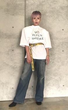 時尚穿搭:向80年代大墊肩致敬
