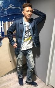 LEVI'S 牛仔西裝外套的時尚穿搭