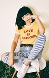 FOREVER 21 LOVE IS GREATER 短袖上衣的時尚穿搭