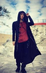 無品牌 -V世界-視覺系龐克暗黑雙扣帶長大衣連帽外套的穿搭