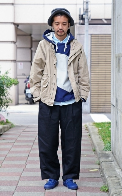 適合COP、PLAIN-ME、水洗棉質大口袋連帽外套、彈性寬版落地西裝褲的穿搭