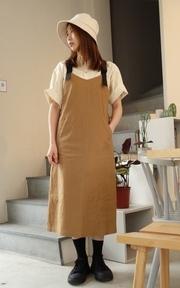 THE MUL. 工裝斜紋布吊帶裙的時尚穿搭