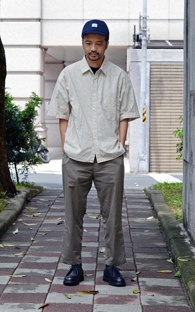 適合PLAIN-ME、COP、變形蟲寬版短袖襯衫、寬版重磅棉質口袋好感TEE、KLEMAN PADROR 法國紳士莫卡辛鞋的穿搭