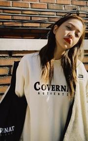 COVERNAT [COVERNAT] RED VELVET YERI 兩穿式羊毛外套(象牙白/黑色)的穿搭