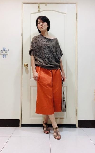 適合時尚這條路、桔色、寬褲的穿搭