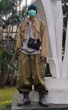 時尚穿搭:寬鬆的軍綠先生