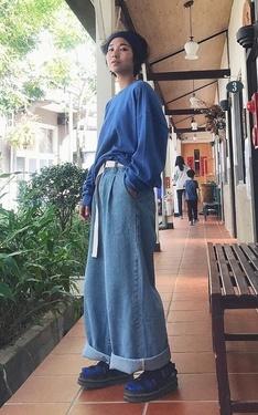 時尚穿搭:藍精靈