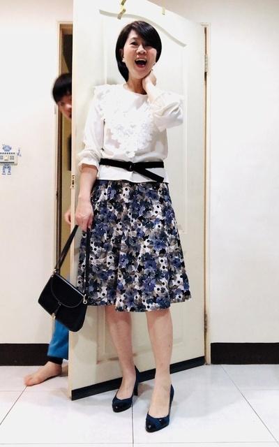 適合時尚這條路、白色、花裙的穿搭