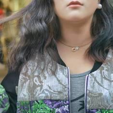 PINK SELFIE高端女裝潮牌 的  PINK SELFIE立體刺繡拚皮外套