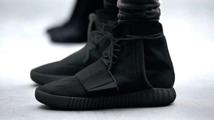 YEEZY 的 鞋子