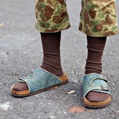 BIRKENSTOCK 的 拖鞋