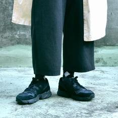 ADIDAS 的 黑鞋