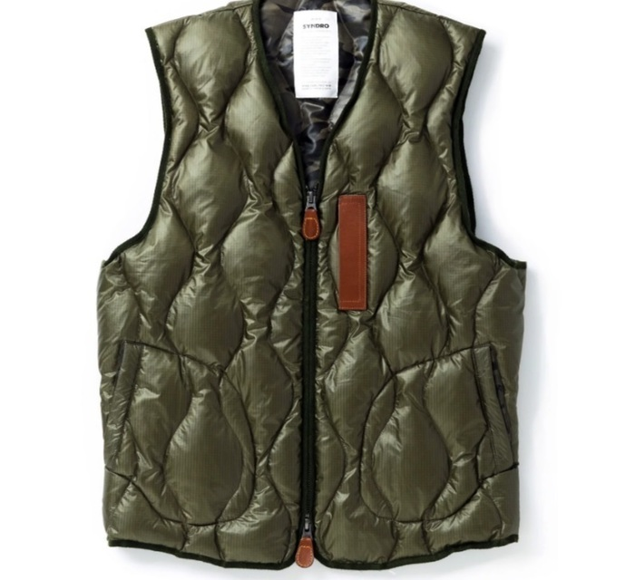 """SYNDRO 的 """"FRAMEWORK"""" QUILTED DOWN VEST"""