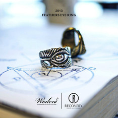 RECOVERY & WODEN 的  FEATHERS EYE RING
