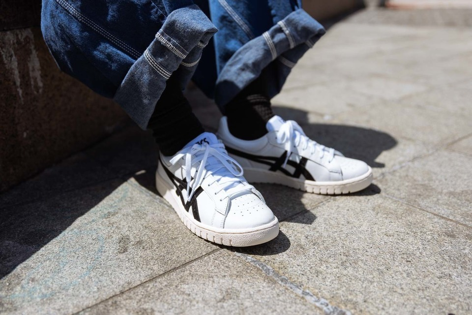 ASICS 的 鞋子