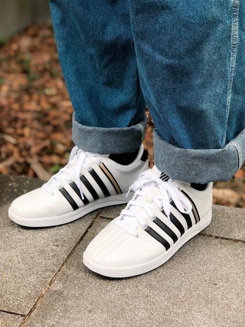 K-SWISS 的 球鞋