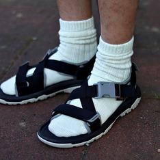 TEVA 的 拖鞋