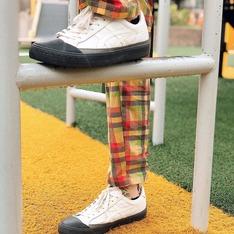 ONITSUKA TIGER 的 球鞋