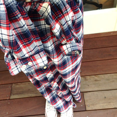 BEAMS BOY 的 LONG SHIRT
