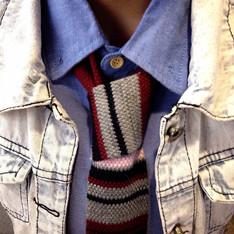 UNIQLO 的 針織領帶