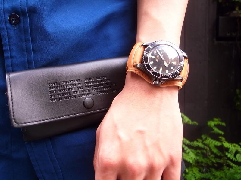 VAGUE WATCH CO. 的 皮革復古軍錶