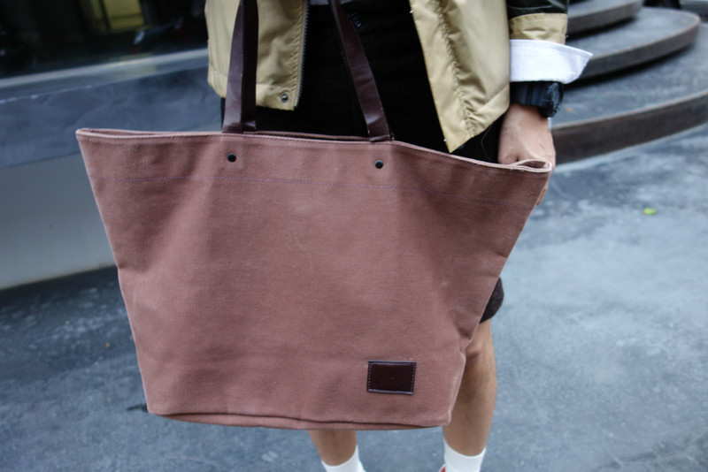 UNITED ARROWS 的 TOTE 包包