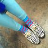 無品牌 的 鋸齒襪與斑馬鞋