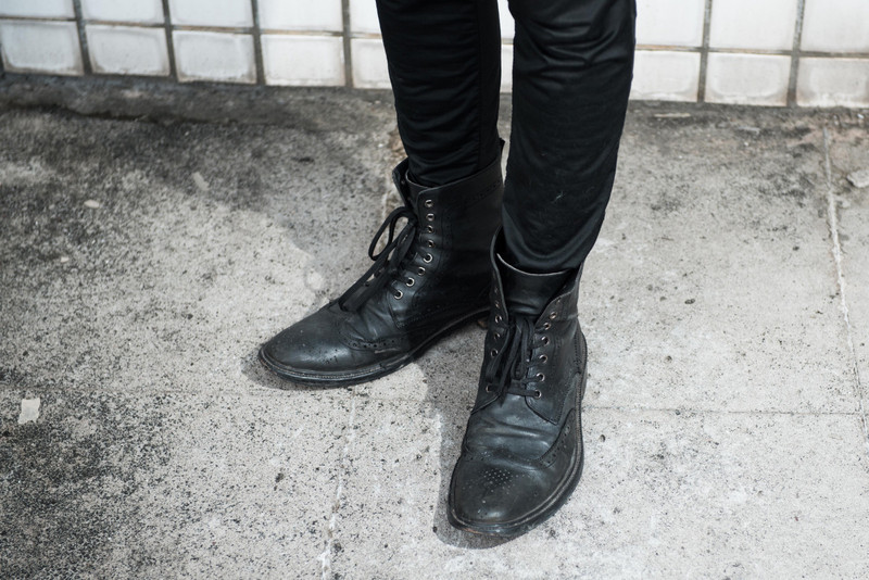 BY SATISFACCTION 的 英國手工雕花靴