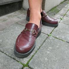 UNDERGROUND 的 酒紅樂福鞋