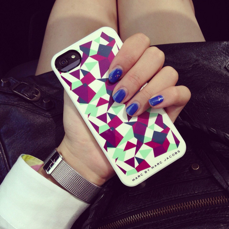 MARC BY MARC JACOBS 的 IPHONE5 CASE