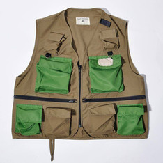 TRAD PHILOSOPHY 的 FISHING VEST