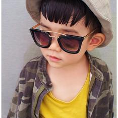 MILO.COM 的 BABY韓國造型墨鏡