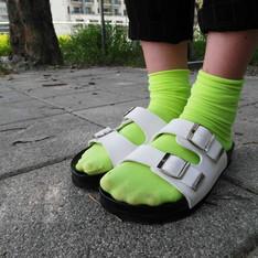 無品牌 的 白色厚底涼鞋