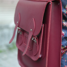THE CAMBRIDGE SATCHEL COMPANY  的 劍橋後背包