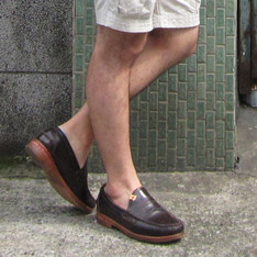 VISVIM 的 PENNY LOAFER