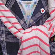 LEVI'S 的 條紋毛衣
