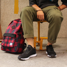 SYNDRO、RANSOM、HERSCHEL SUPPLY CO. 的 工作褲、休閒鞋、後背包