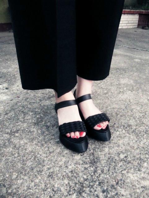 HUI GIN 的 鞋子