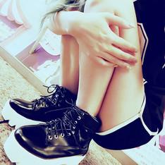 CRYSTAL MOON 的 厚底鞋
